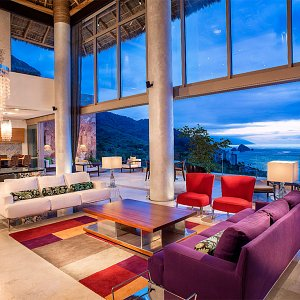 The Grand Penthouse - Outdoor living and dining space