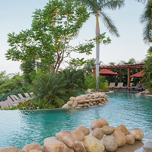 garza-blanca-panoramic-pool