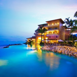 Infinity Pool Sunset - Garza Blanca Preserve Puerto Vallarta