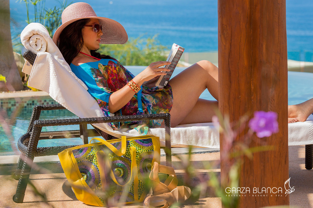 Vacations' Sara Ramirez Reading in Puerto Vallarta