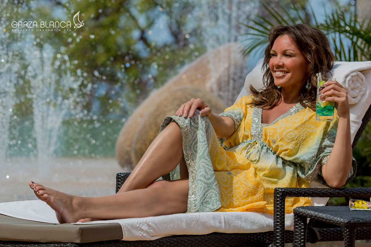 Vacation's Vanessa Williams at Mexico, Puerto Vallarta