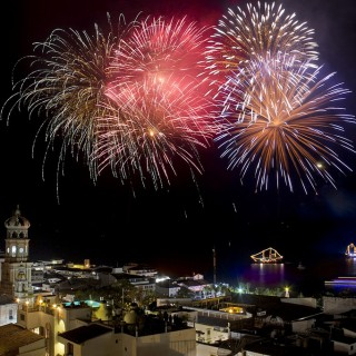 fireworks-puerto-vallarta-featured