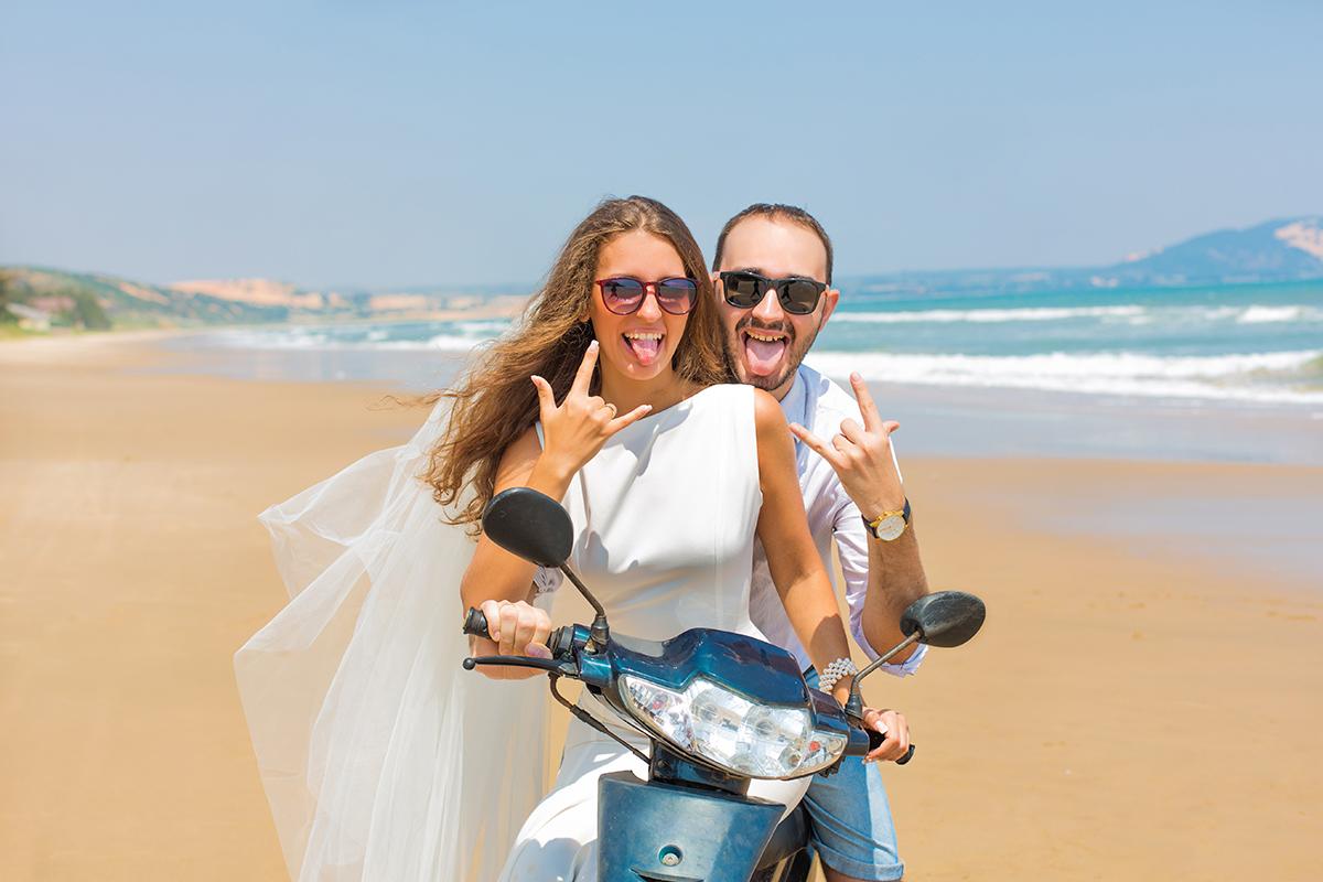 Arrive by Harley-Davidson in Wedding Day