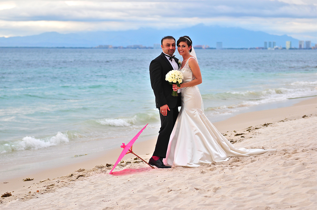Wedding Photography Choosing From Showcasing The Famous Rocky Los Arcos Formations Behind You Wide Open Sea City Scape Of Puerto Vallarta Or