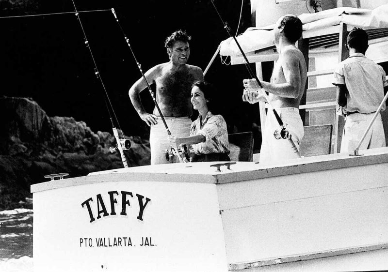 Richard Burton and Elizabeth Taylor at Puerto Vallarta