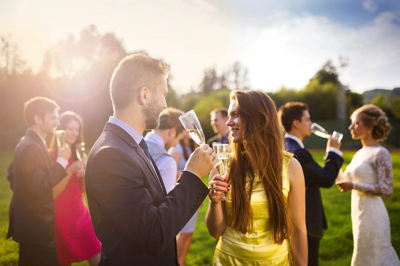 How Many Wedding Guests is Ideal?