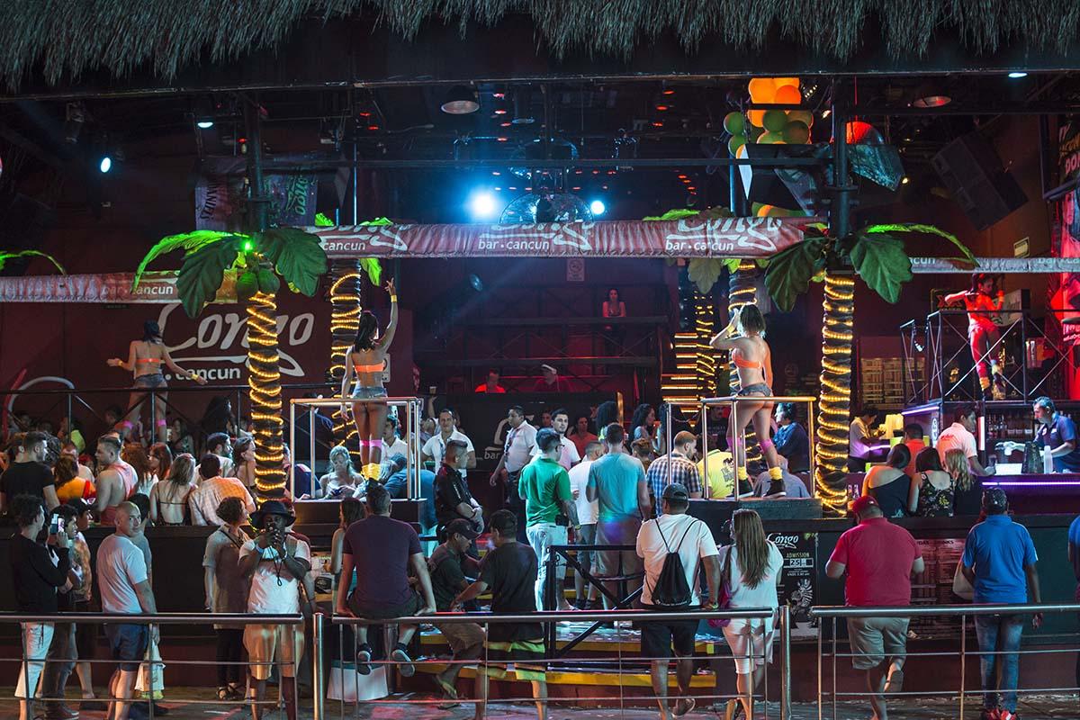 Vacations in Riviera Maya - Having Fun at Night in Cancun