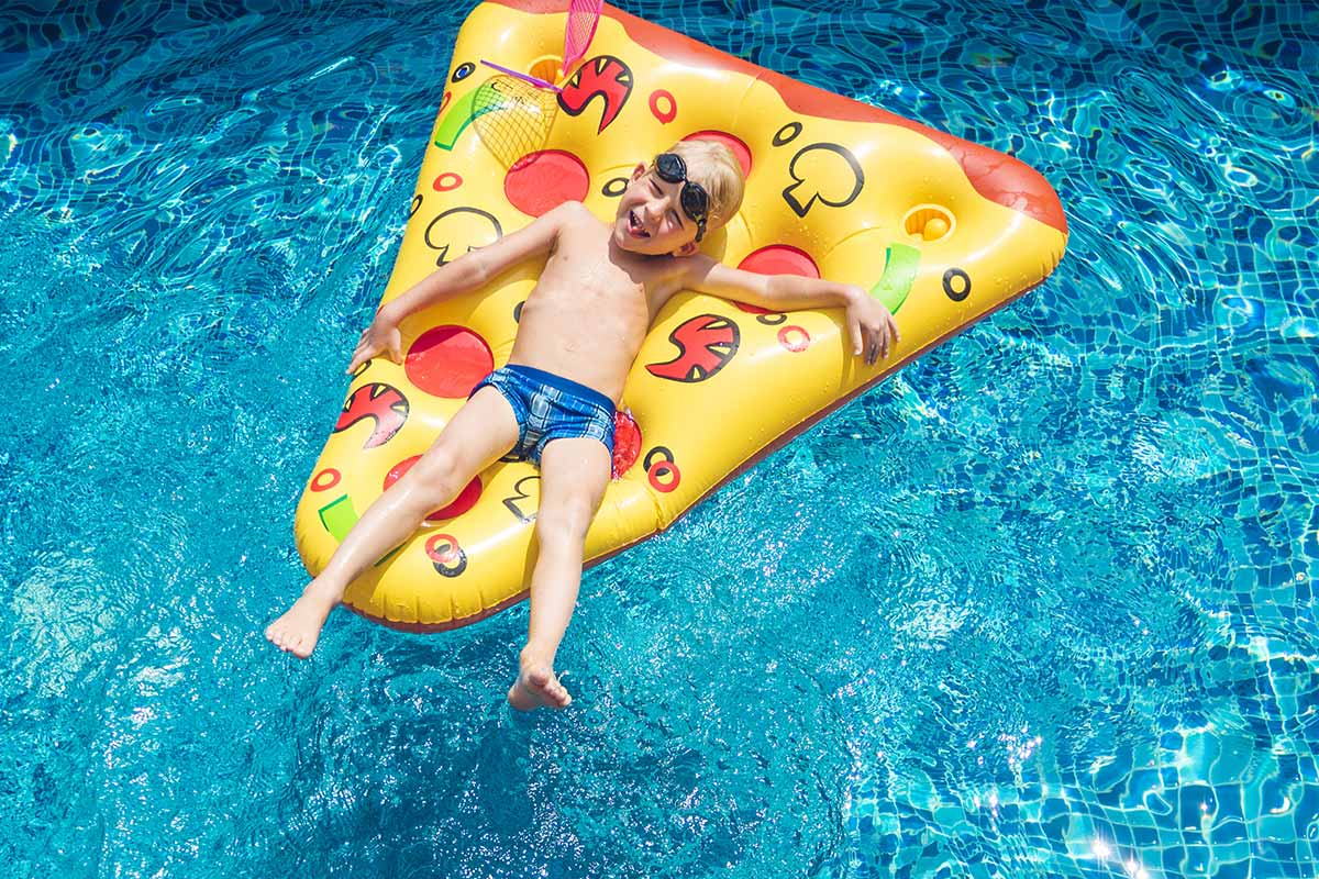 Pool inflatables pizza
