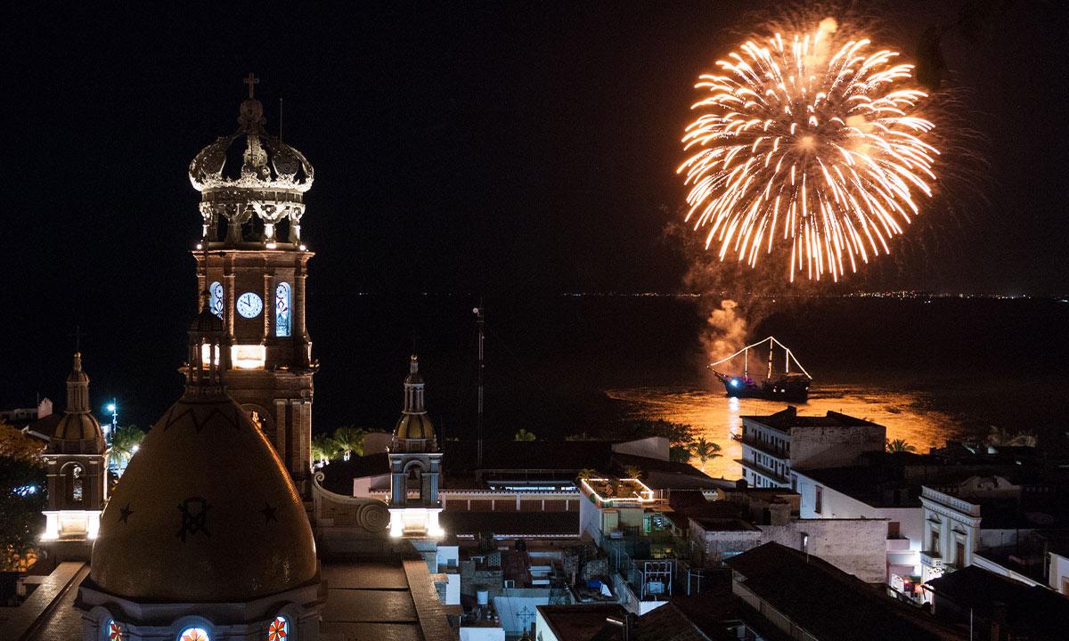 puerto_vallarta_new_year_celebration_2021