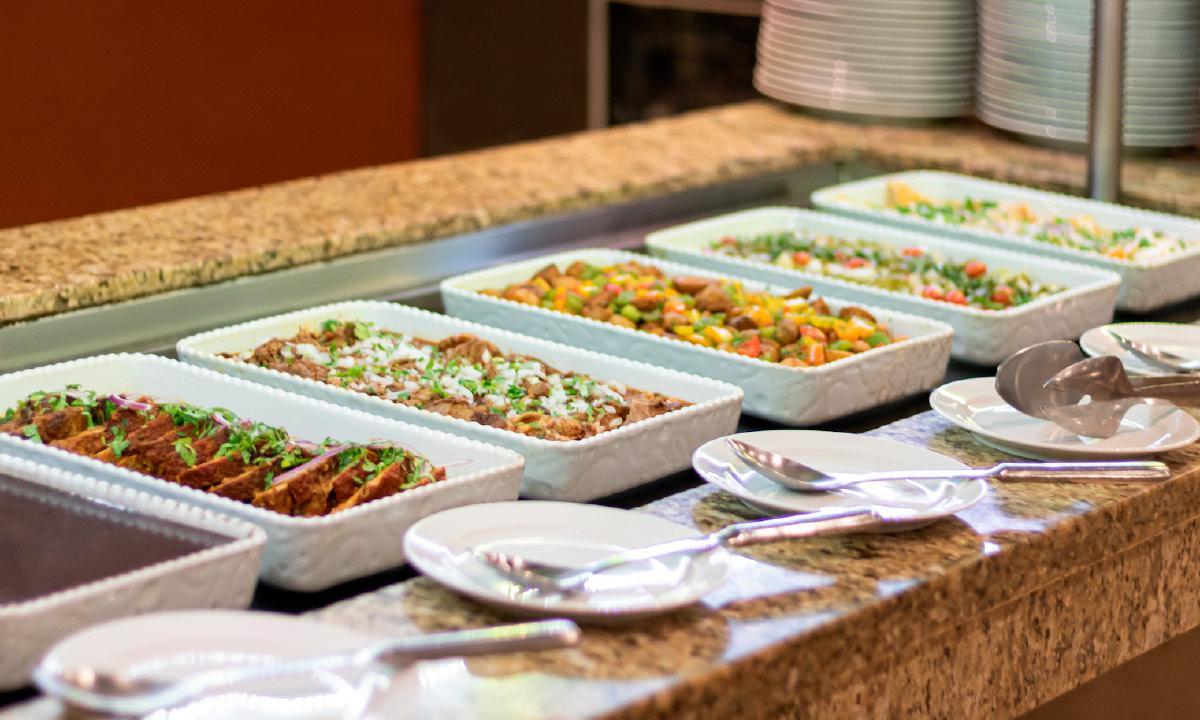 caprichos at villa del palmar buffet