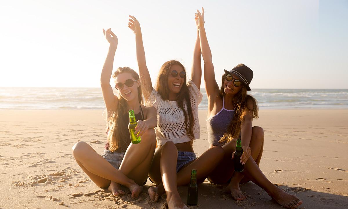 friends-on-the-beach