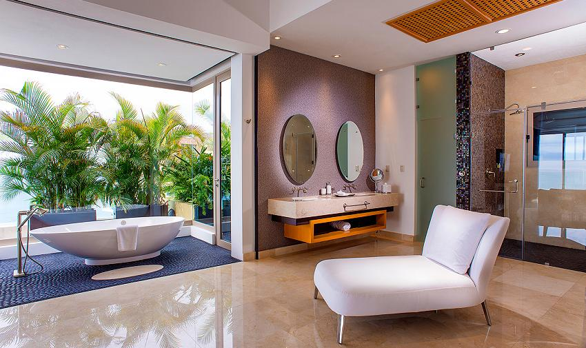master bathroom Grand Pent House Garza Blanca