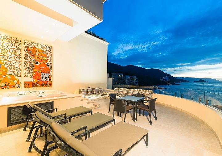 Penthouse Oceanfront Garza Blanca Preserve