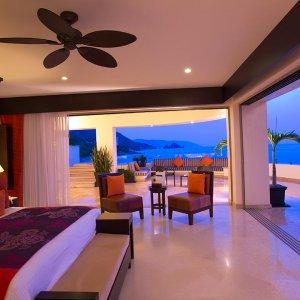 Oceanfront Penthouse - Master Bedroom