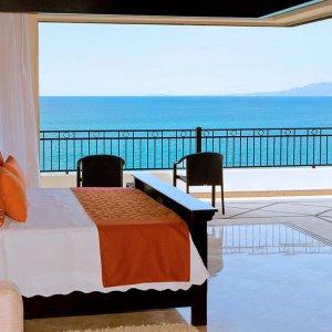 Oceanfront Penthouse  - Master Bedroom Ocean View