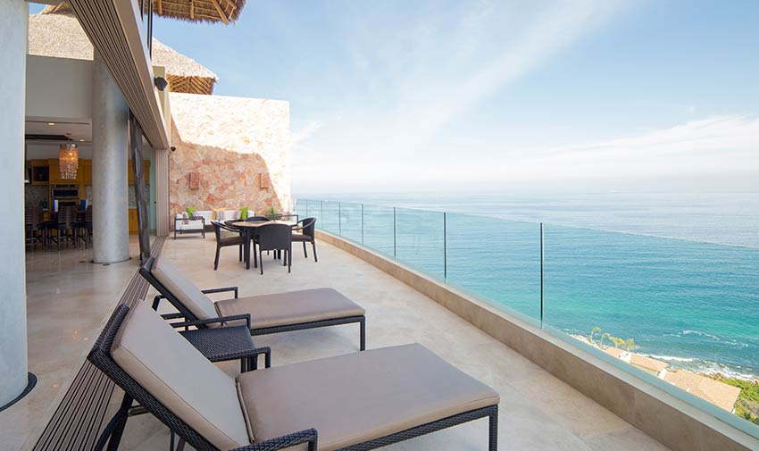 ocean view Grand Pent House Garza Blanca