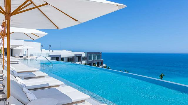 Pools and Terraces - Piscinas y Terrazas